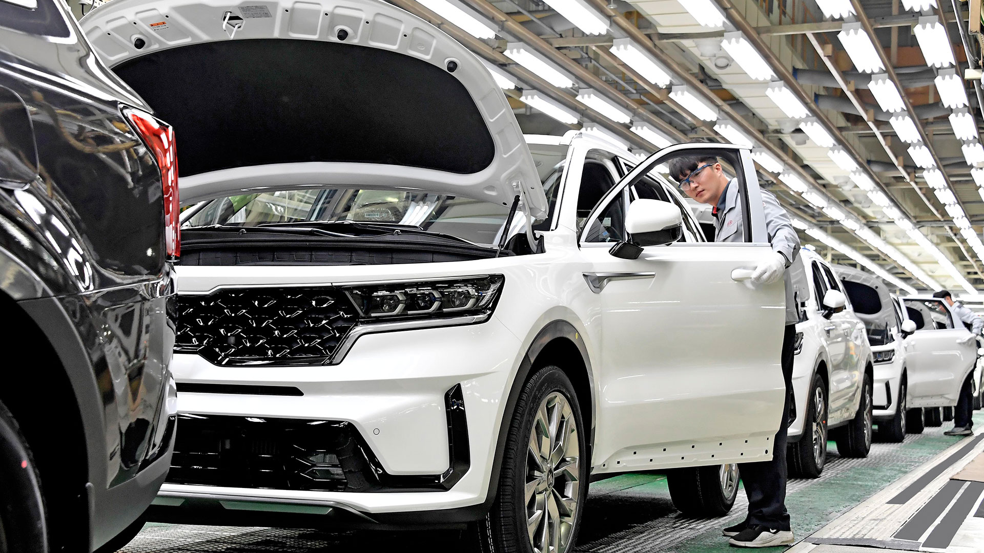 Стартовало производство нового KIA Sorento Hybrid